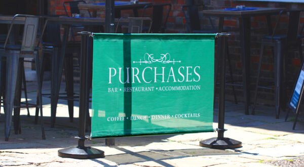 Restaurant Pavement Barrier